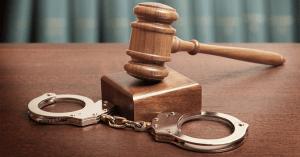Contoh Perilaku Menentang Hukum
