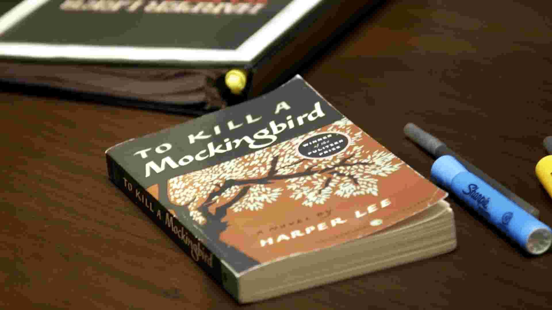 Contoh Teks Ulasan Singkat Film, Novel, Buku, Cerpen